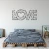 Love: металлическое слово на стену