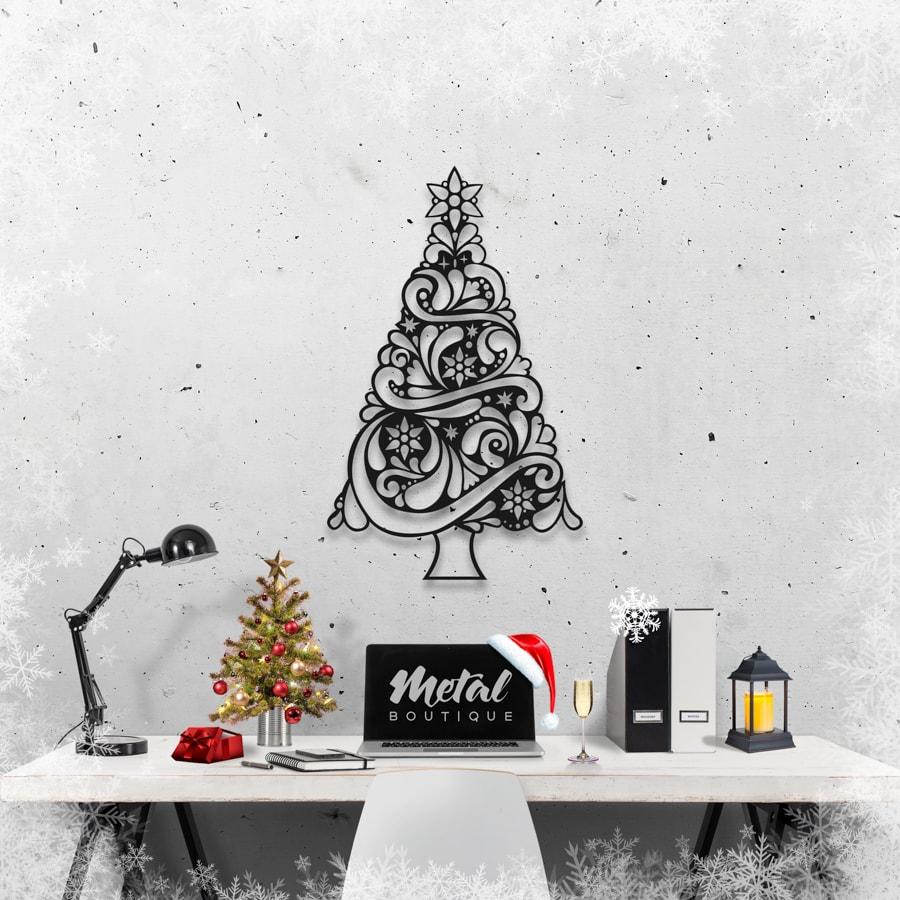 Новогодняя ёлка: фигура из металла на стену