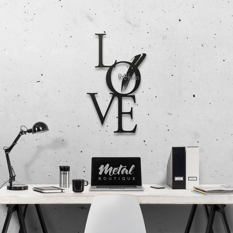 Love is all you need: декор из металла на стену